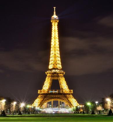 Paris - Eiffel Tower by night